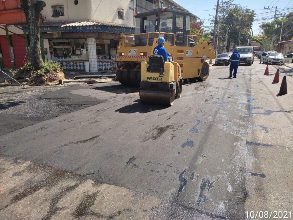 Aplicação de asfalto